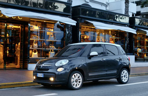 el fiat 500l llega a avis mega autos. Black Bedroom Furniture Sets. Home Design Ideas