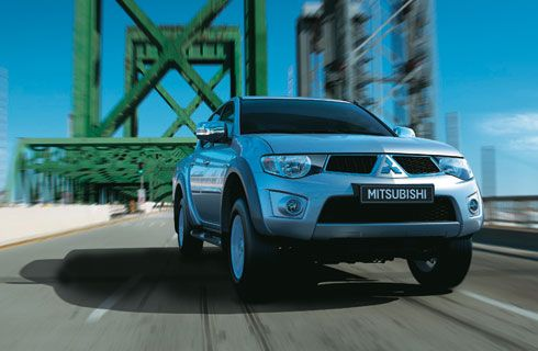 Mitsubishi lanzó nuevas versiones de la L200 con motor 2.5L