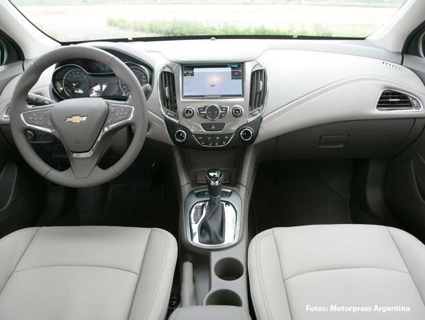 as es el nuevo chevrolet cruze argentino mega autos. Black Bedroom Furniture Sets. Home Design Ideas