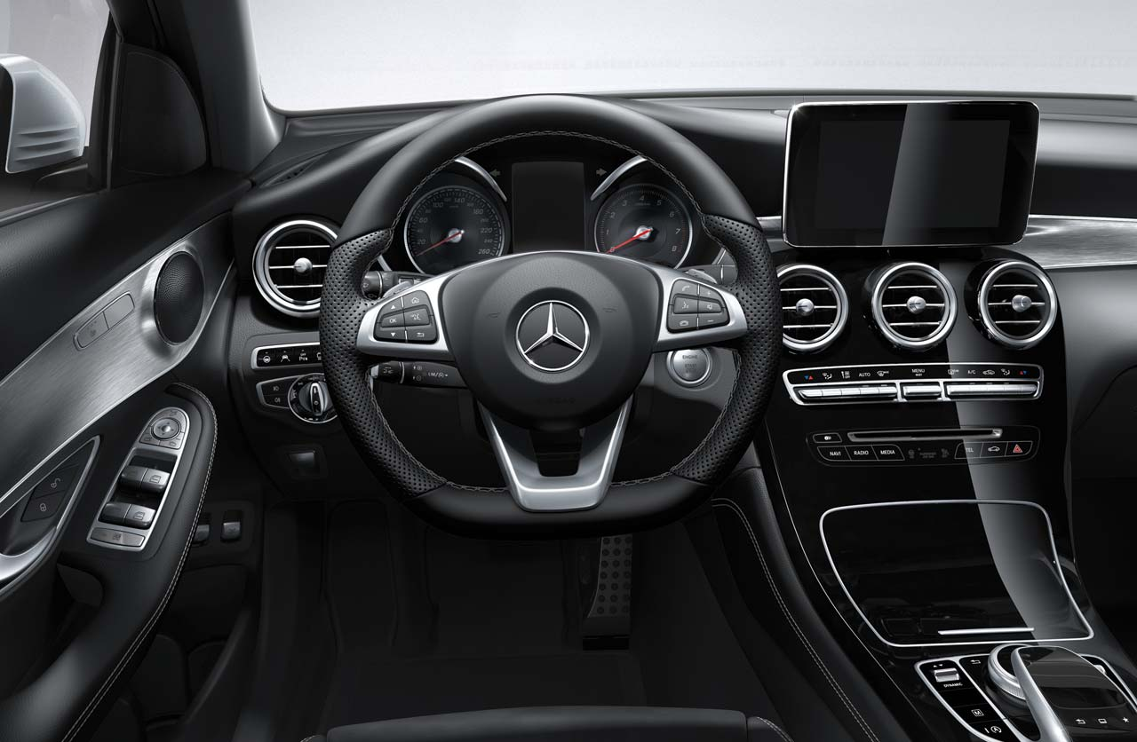 Mercedes suv glc interior for Mercedes benz argentina