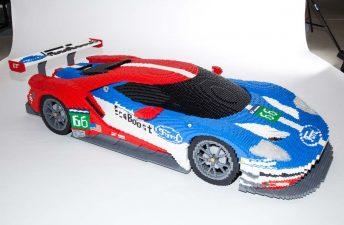 Un Ford GT construido con 40.000 piezas de Lego