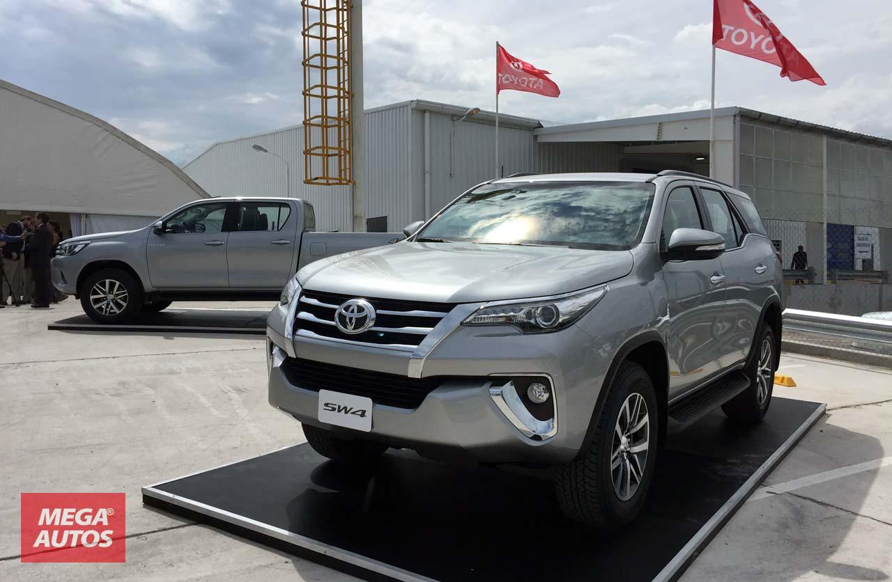 Toyota SW4 y Hilux en Planta Zarate
