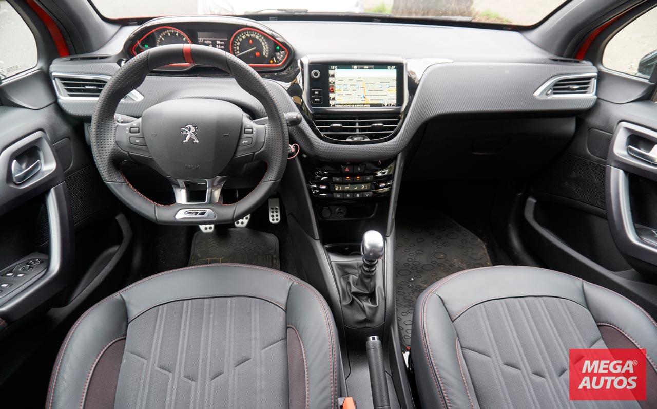 Contacto peugeot 208 gt 1 6 thp 165 cv mega autos for Peugeot 208 interior 2017