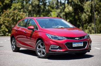 Chevrolet lanzó el Cruze hatchback (alias Cruze5) en Argentina