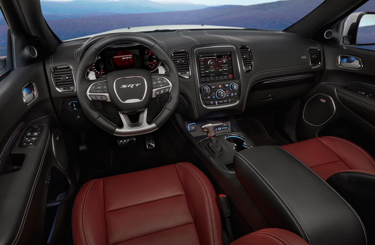 dodge durango srt un suv para disfrutar en circuito mega autos. Black Bedroom Furniture Sets. Home Design Ideas