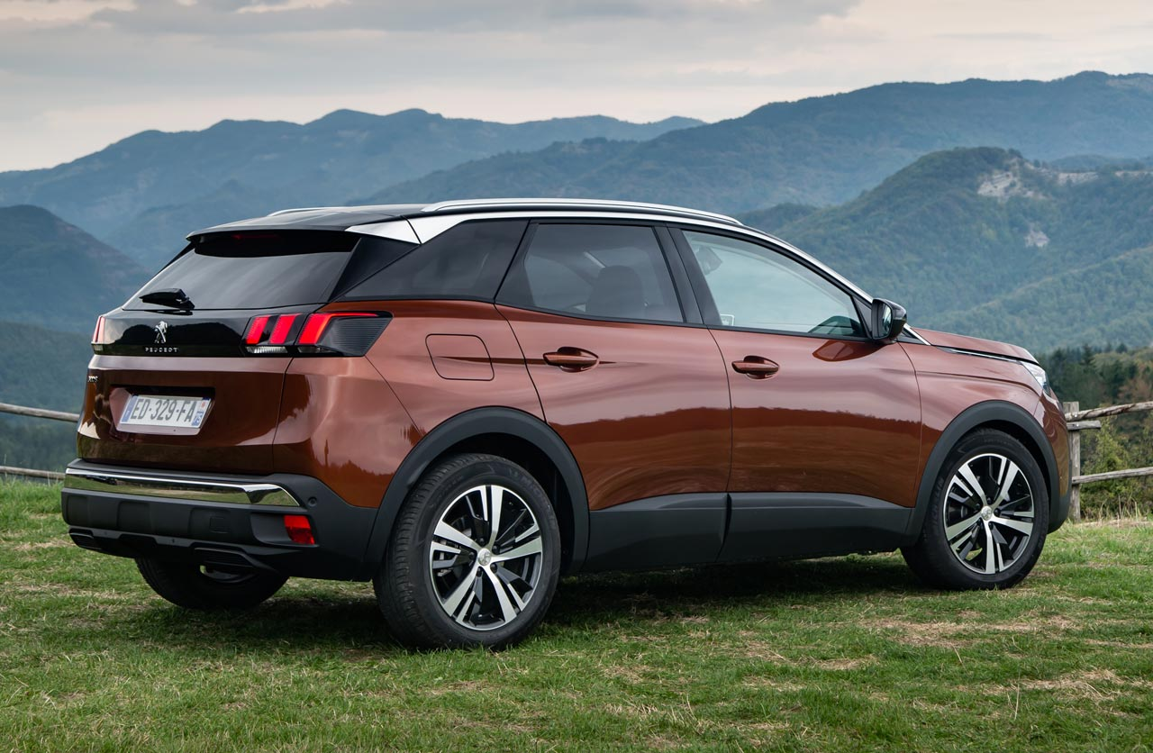 el nuevo peugeot 3008 es el auto del a o 2017 en europa mega autos. Black Bedroom Furniture Sets. Home Design Ideas