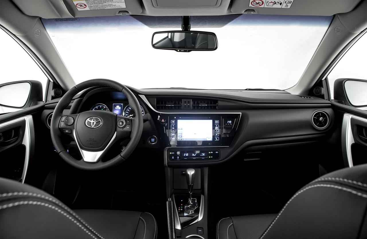 Interior Toyota Corolla 2017-2018
