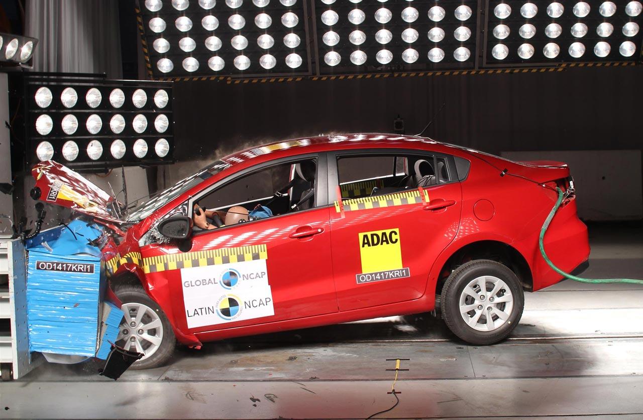 Kia Rio sedán Latin NCAP