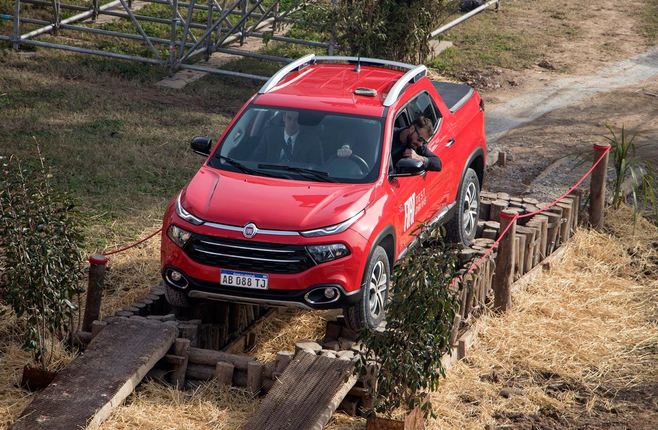 Fiat Toro pista off road La Rural