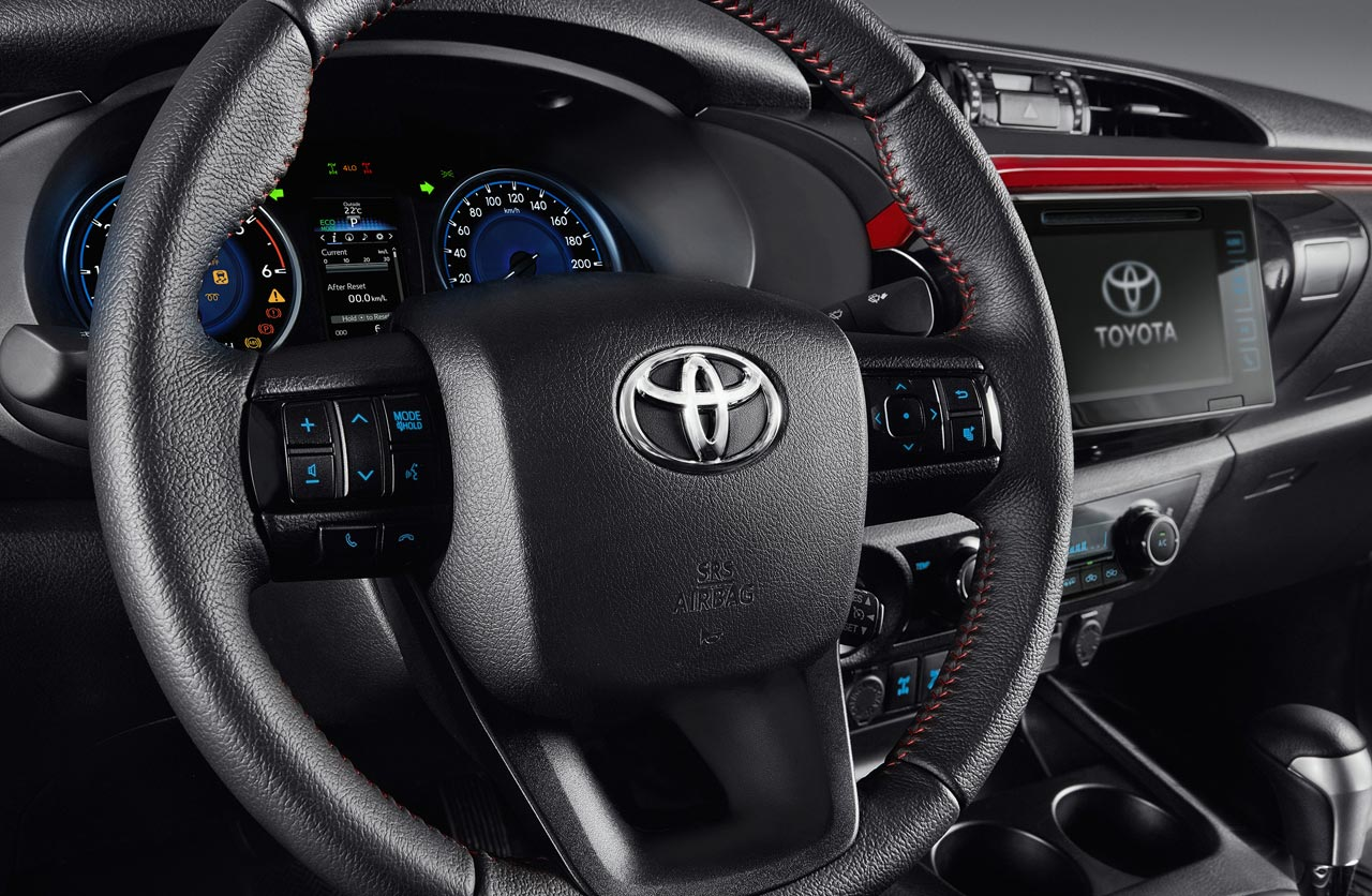 Interior Toyota Hilux Limited