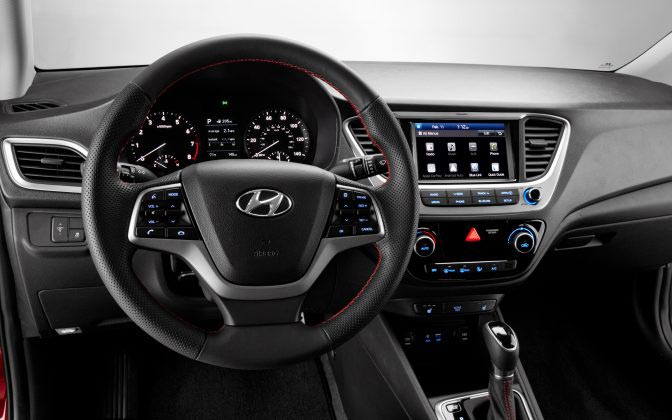 Interior Hyundai Accent mexicano