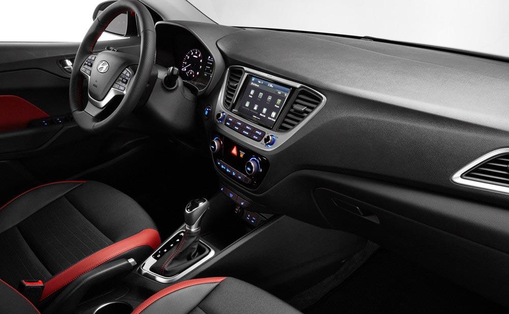 Interior Hyundai Accent mexicano