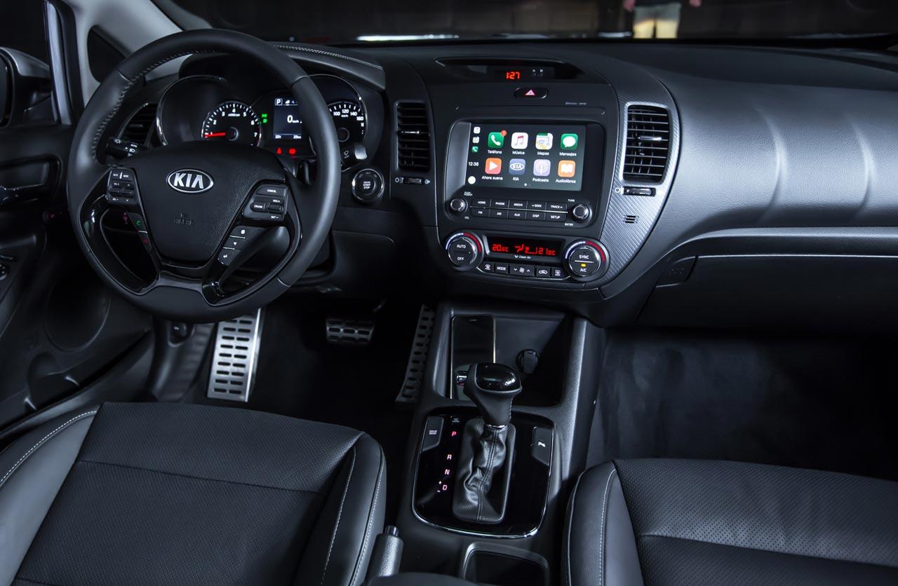Interior nuevo Kia Cerato