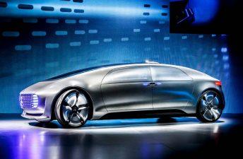 Mercedes-Benz F 015: viaje hacia el futuro