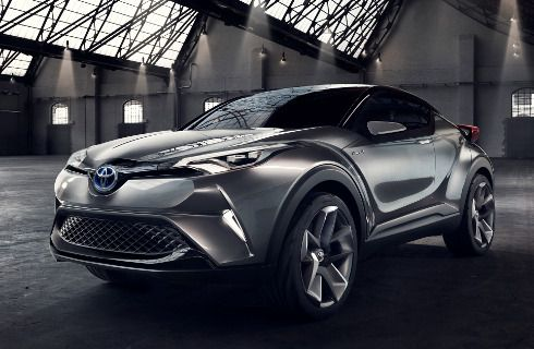 Crossover chico de Toyota: ¿se llamará Auris Cross?