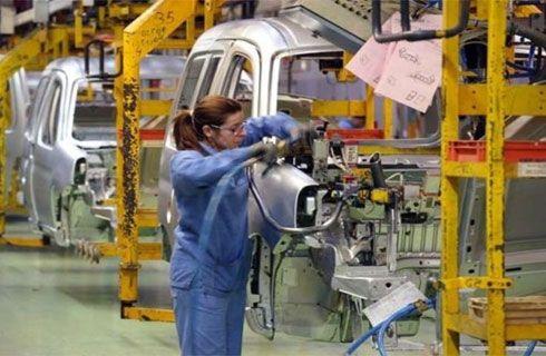 La producción cayó un 13,4% en el último mes del año