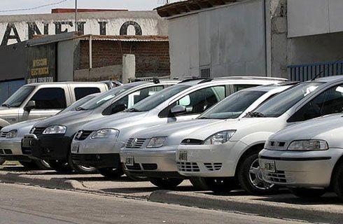 Las transferencias de autos usados también bajaron en enero