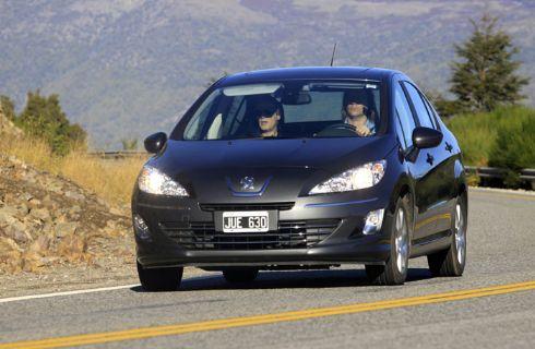 1º Contacto Peugeot 408