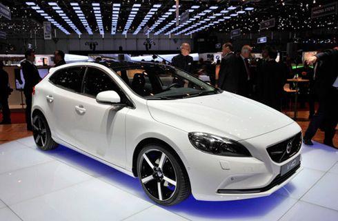 Volvo V40: el primer auto con airbag para peatones que podría llegar a Argentina