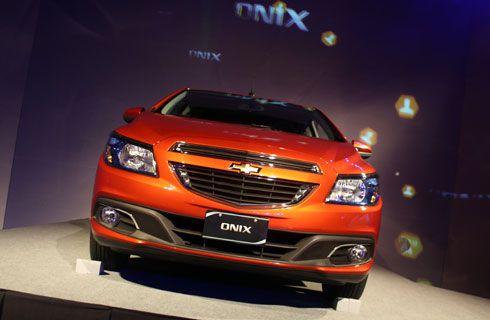 Onix y Prisma: lo nuevo de Chevrolet en el país