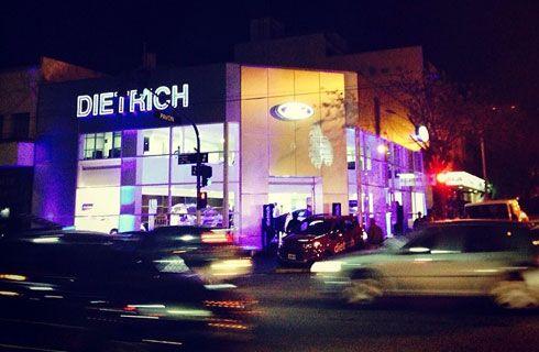 Dietrich inauguró un nuevo local Ford en Boedo