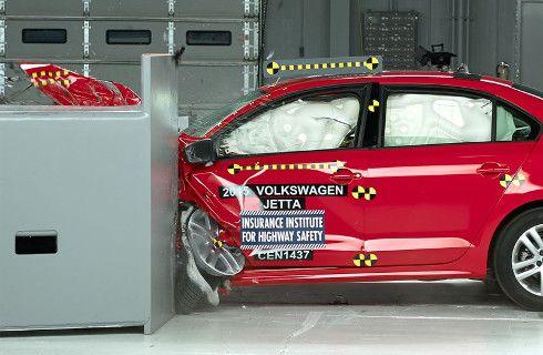 Volkswagen Vento: renovado y más seguro