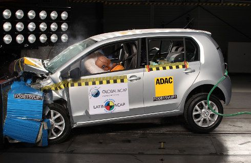 Segundo crash test exitoso para el VW up!