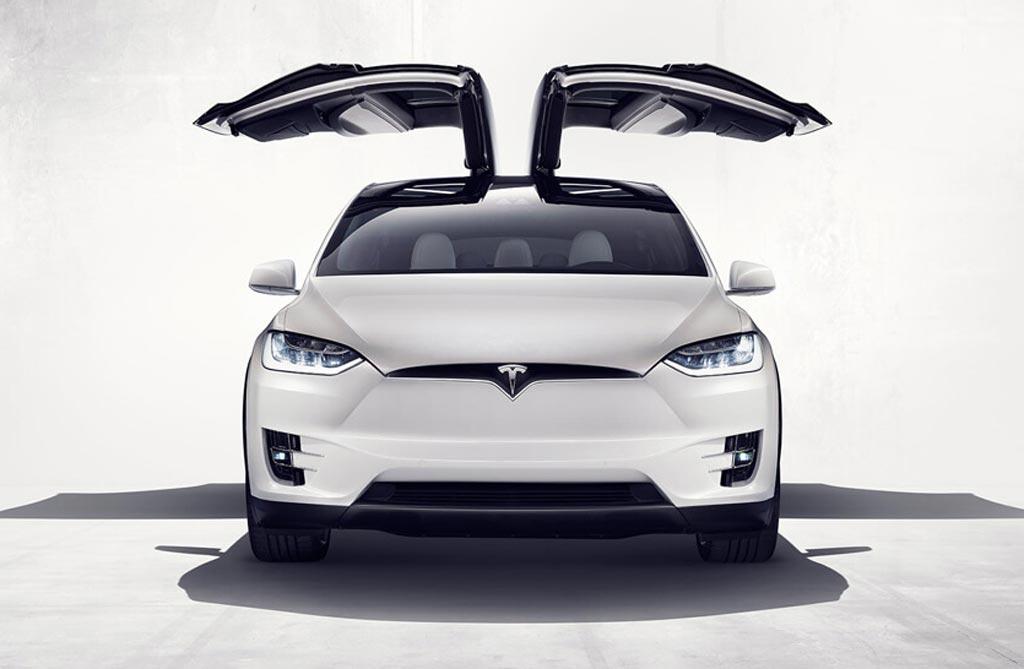 Tesla presentó el Model X en Estados Unidos