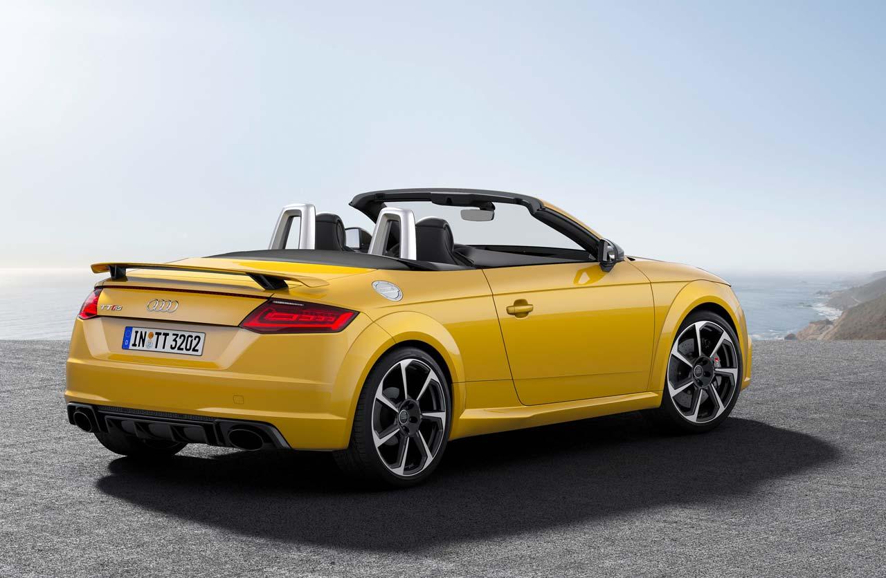 Audi-TT-RS-2016-Roadster-atras