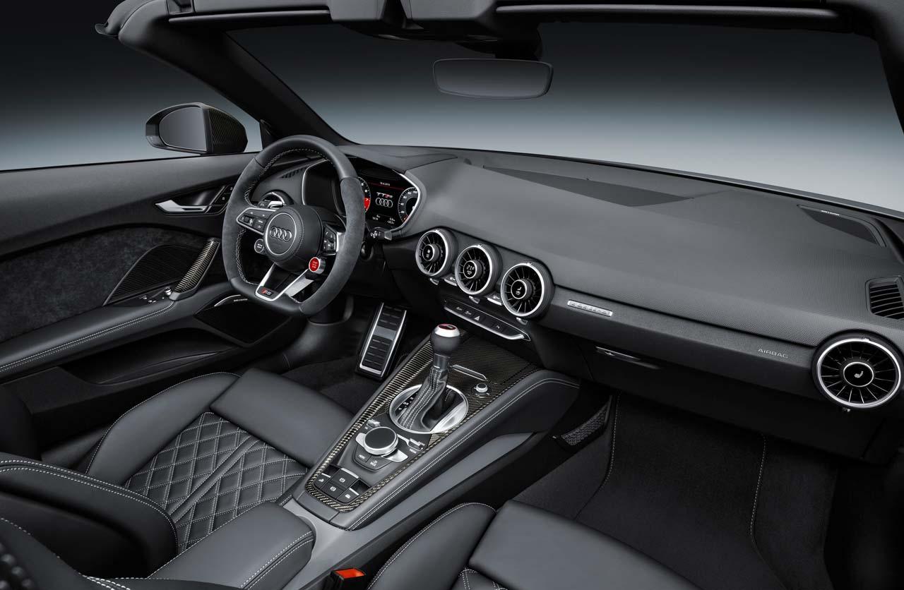 Audi-TT-RS-2016-interior