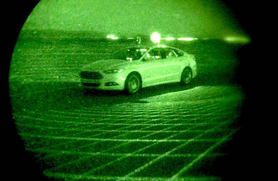 Ford-Mondeo-Hybrid-autonomo-infrarojo