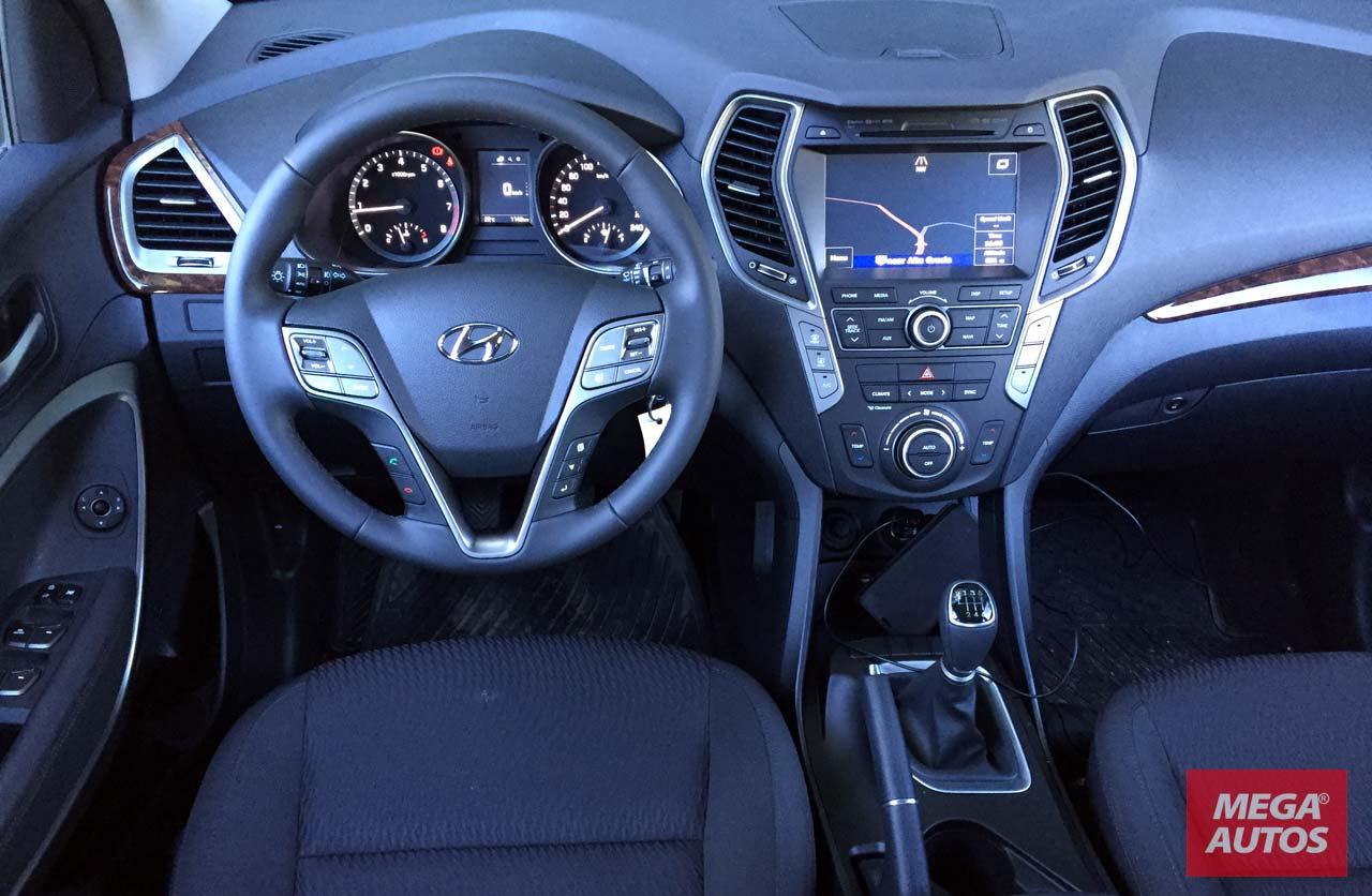 Hyundai-Santa-Fe-2016-interior
