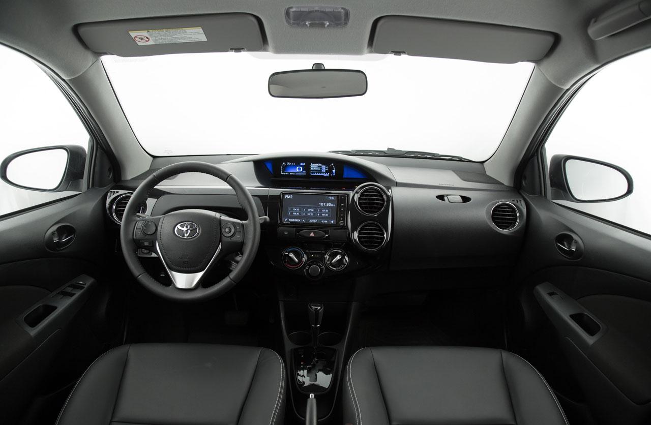 Toyota-Etios-2017-04