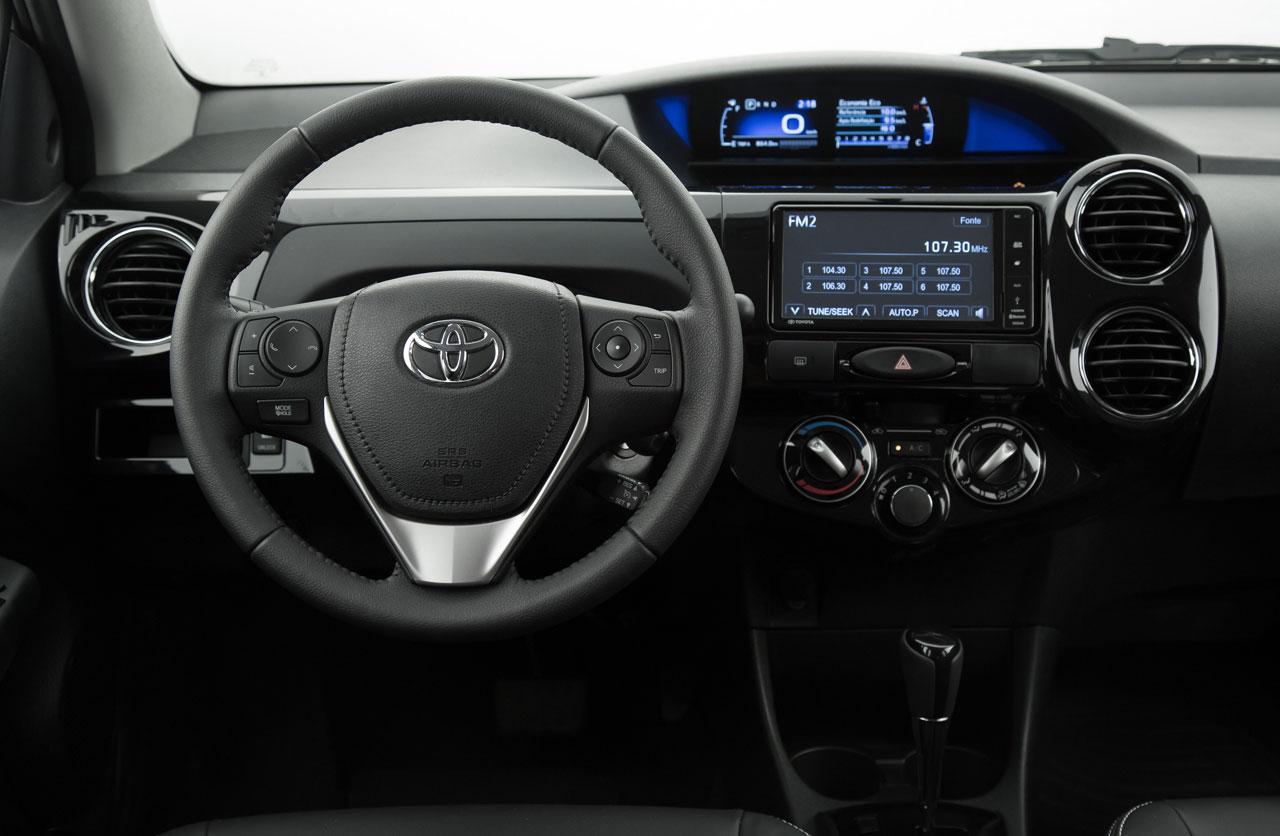 Toyota-Etios-2017-06