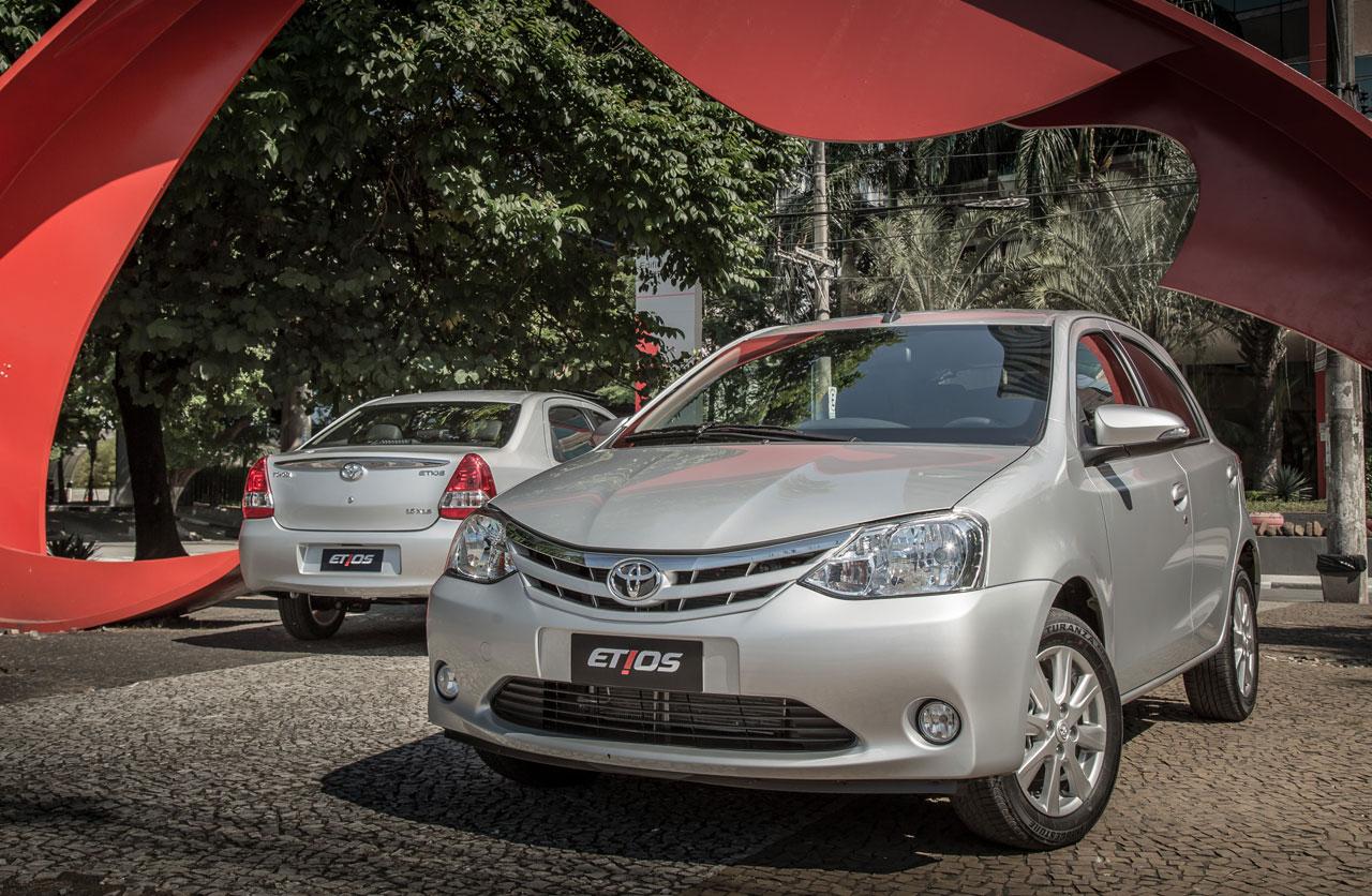 Toyota-Etios-2017-07