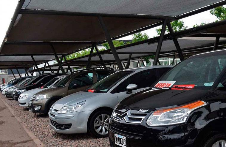 Con locales cerrados en AMBA la mayor parte del mes, bajó la venta de autos usados