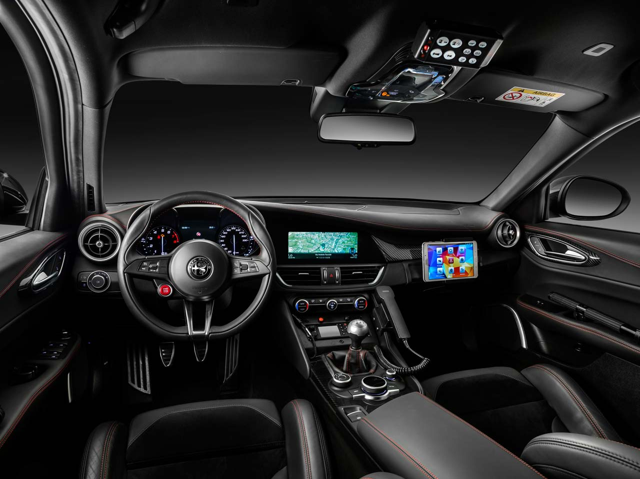 Interior Alfa Romeo Giulia QV Carabinieri