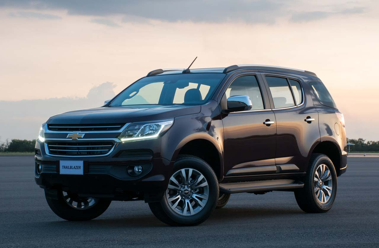 Chevrolet-Trailblazer-2017-perfil
