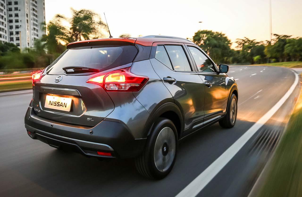 Nissan-Kicks-Brasil-dinamica-atras