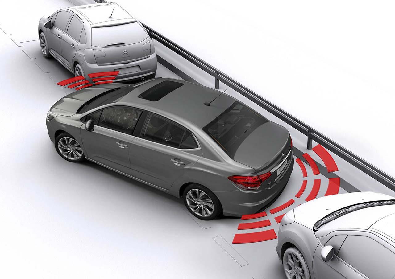 Citroën C4 Lounge sensores estacionamiento