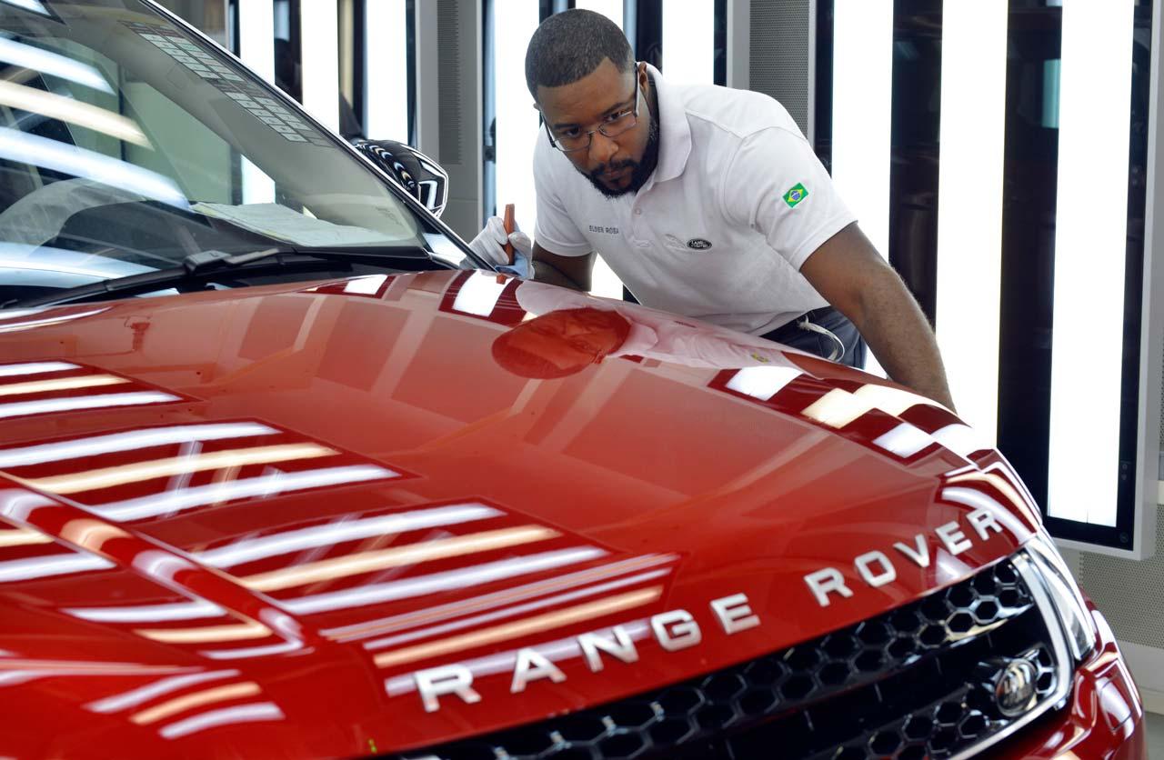Jaguar Land Rover inauguró su fábrica en Brasil