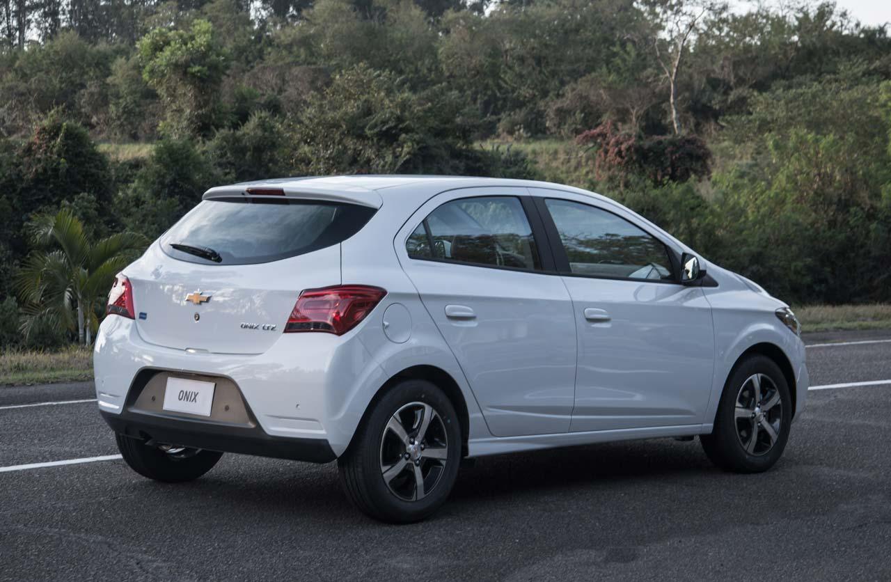 Chevrolet Onix y Prisma 2017: primero en Brasil y luego en ...