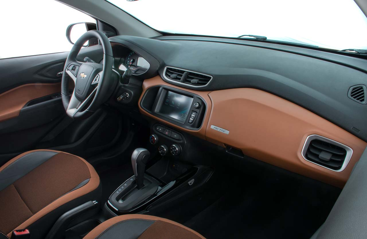 Interior Chevrolet Onix Activ
