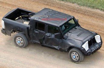 FCA ya prueba la pick up del Jeep Wrangler