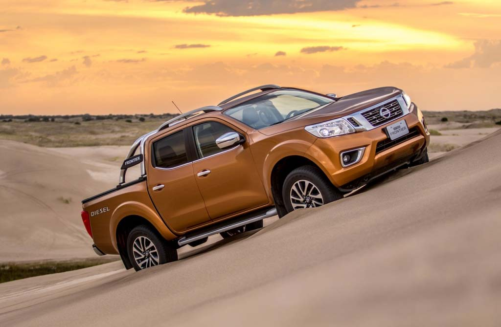 Nissan-NP300-Frontier-Carilo