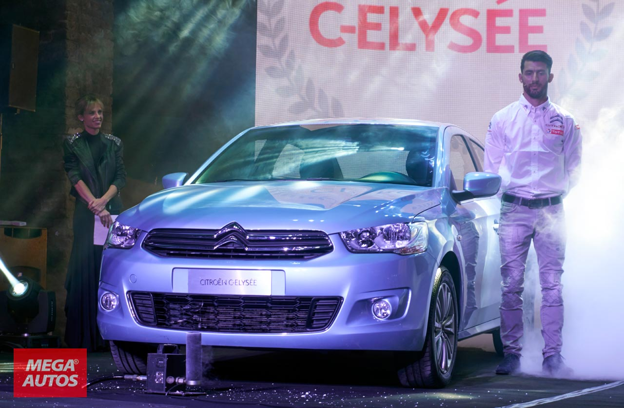 Pechito López junto al Citroën C-Elysée