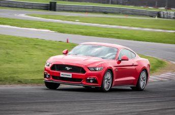 Manejamos el nuevo Ford Mustang en el Autódromo