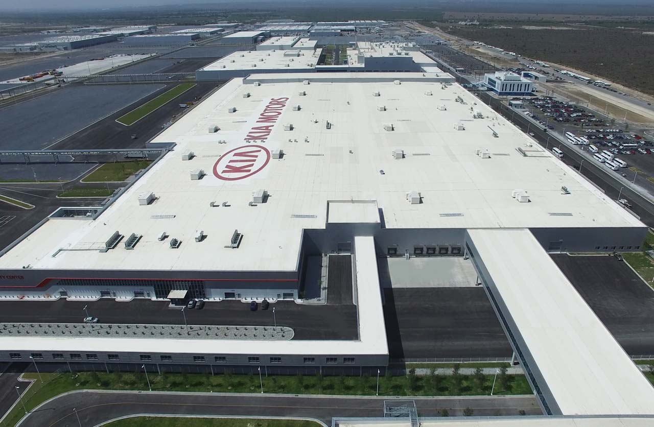 Kia inauguró su nueva fábrica en México