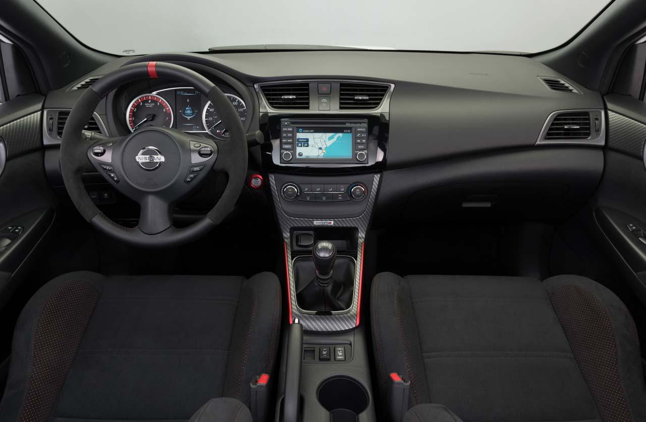 Interior Nissan Sentra NISMO