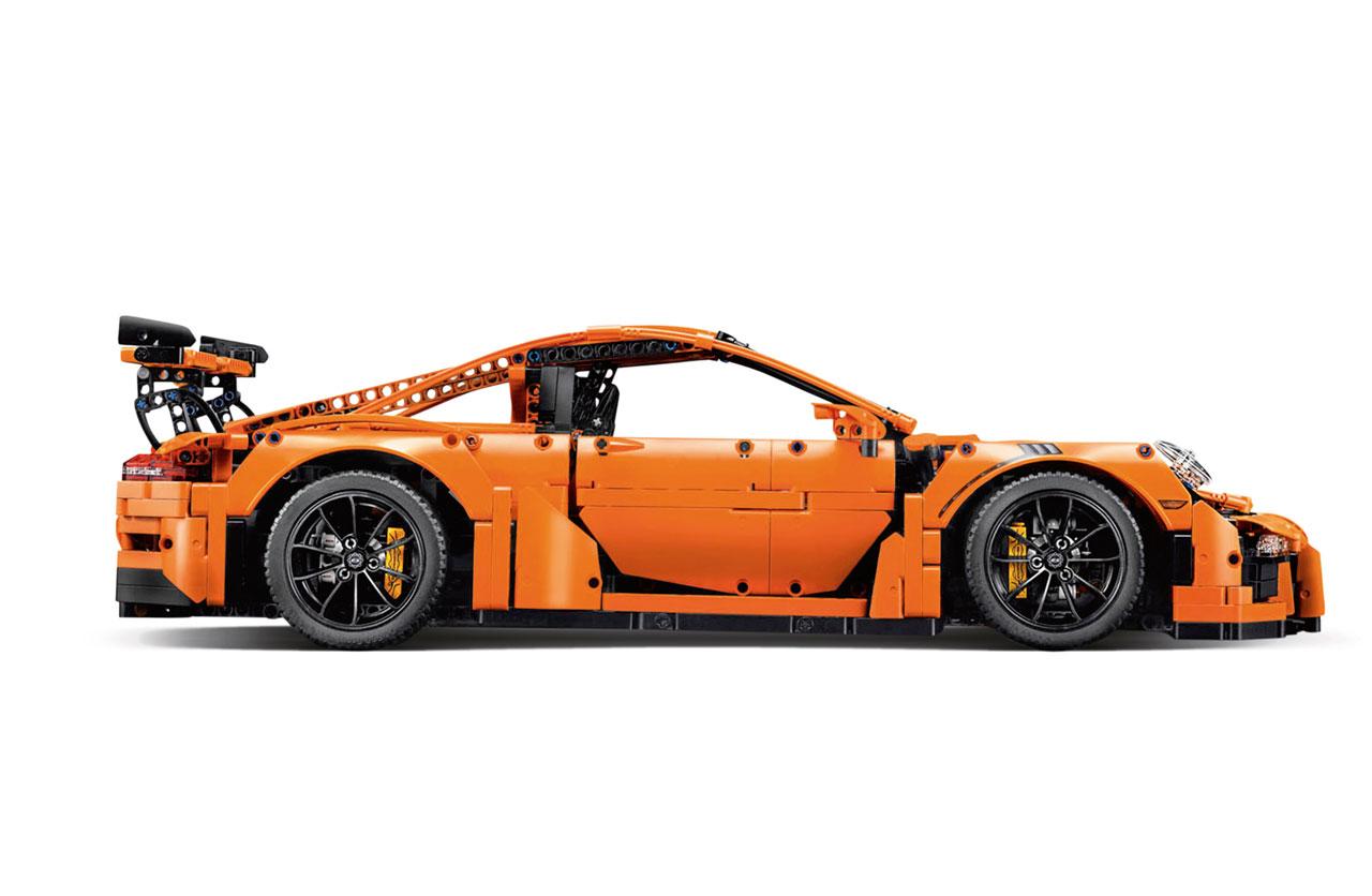 Un Porsche GT3 RS de 2.704 piezas de Lego